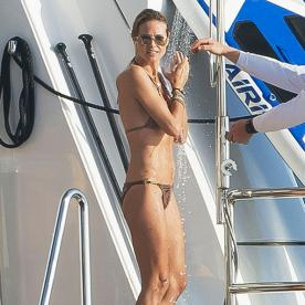 Heidi Klum Rings in the New Year in a Barely-There Bikini
