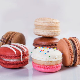 These Insanely Adorable Bite-Size Macarons Will Be Your New Favorite Dessert