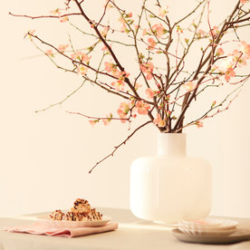 How to Create a Kyoto Garden-Inspired Tablescape in 3 Easy Steps