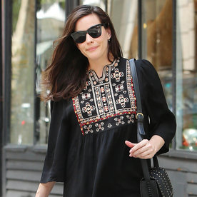 Liv Tyler Glows in All-Black Outfit Three Weeks After Giving Birth
