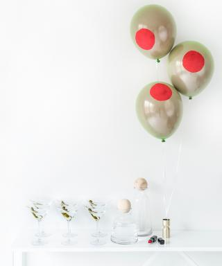 Adorable (and Easy!) Olive Balloons to Make for Your Mad Men Series Finale Viewing Party
