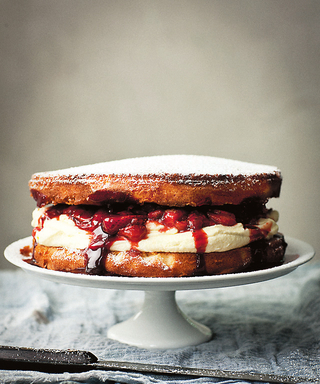 This Sweet Sponge Cake Is the Perfect Way to Cap off Your Week