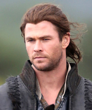 See Chris Hemsworth Riding a Horse on the Set of The Huntsman