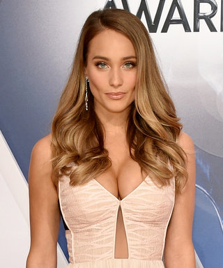 Hannah Davis Shows Off Her StunningEngagement Ring on the CMA Awards Red Carpet