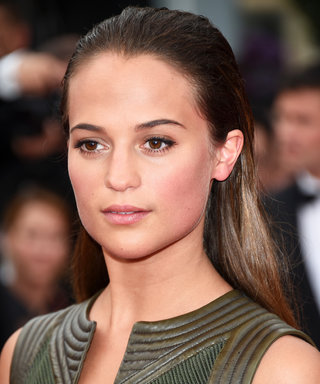 How to Wear Bronzer in the Fall Without Looking Completely Obvious