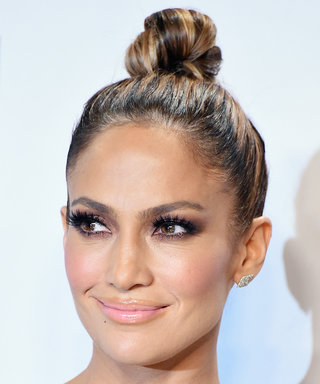 Exactly How to Get Jennifer Lopez's Glowing Makeup from the AMAs