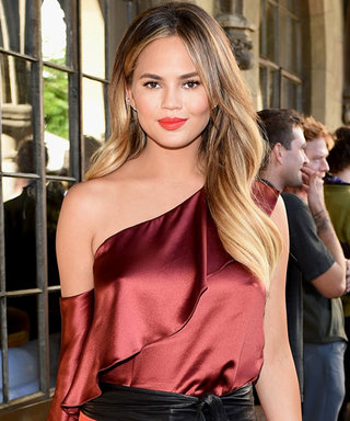 6 Lessons to Learn from Chrissy Teigen's Sexy Maternity Style