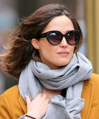 Rose Byrne Is Radiant in Yellow as She Steps Out for First Time Since Giving Birth