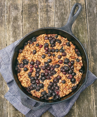Start the Week Off Right with this Blueberry Pear Oatmeal Bake Recipe