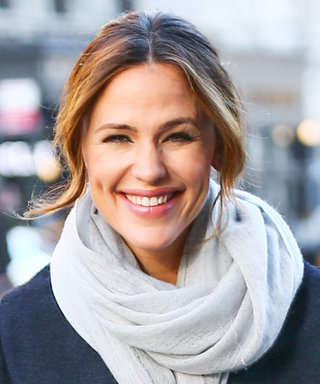 Jennifer Garner's Street Style Is the Perfect Inspiration for Fickle Spring Weather