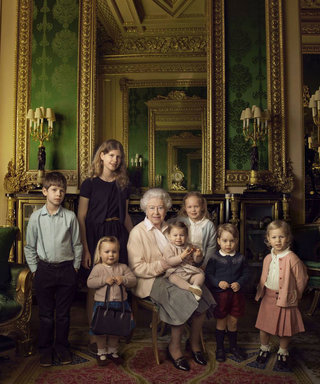 Queen Elizabeth's Trusty Launer Bag Holds a Prominent Place in the Latest Royal Family Portrait