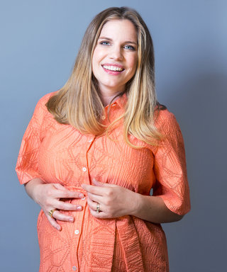 """Veep Star Anna Chlumsky's Maternity Style Mantra? """"Find the Cheapest Place and Raid the Store!"""""""