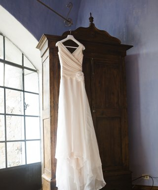 The Beautiful Story of One $75 Wedding Dress Worn By 6 Brides