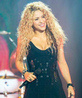 Shakira Hilariously Documents the Struggles of Taking the Perfect Selfie