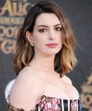 Anne Hathaway Is Ready for a Fall Workout in Her Latest Athleisure Look