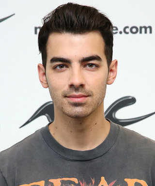 "Joe Jonas's Rippled Six-Pack Is the Definition of ""Cake by the Ocean"""