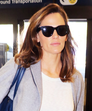 Jennifer Garner Dons Cool Neutrals While Flying Out of LAX