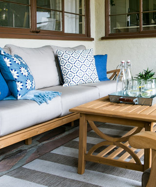 This Outdoor Living Space Is What California Dreams are Made of