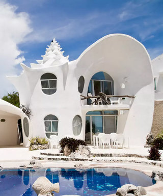10 of the Most Bizarre Vacation Rental Properties You'll Ever See
