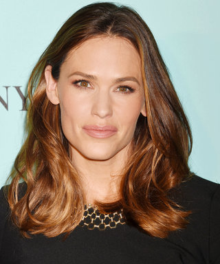 Jennifer Garner Is 50 Shades of Gorgeous in Head-to-Toe Gray