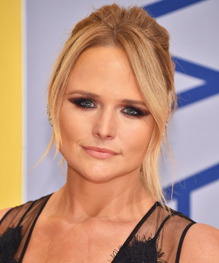 "Miranda Lambert Takes Down Internet Trolls After Posting ""Really Personal"" Photo"