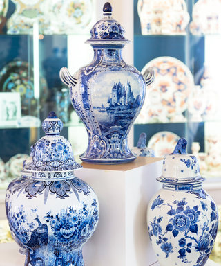 How to Shop for Antiques as Wedding Gifts