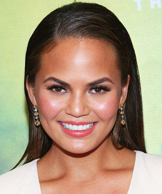 Chrissy Teigen Wants to Make an Outback Bloomin' Onion at Home—Here's How