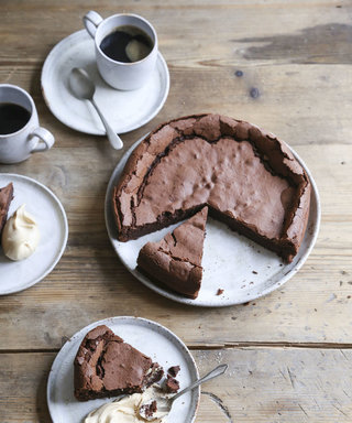 Make This Flourless Chocolate Cake For Mega Insta Likes