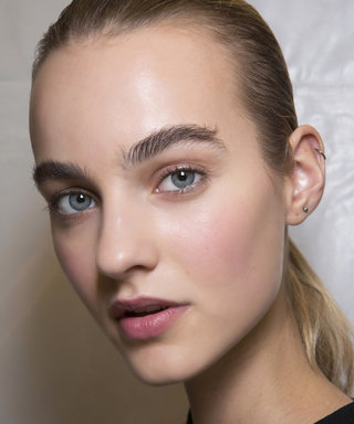 The Sunscreen Mists That Won't Smear Your Makeup