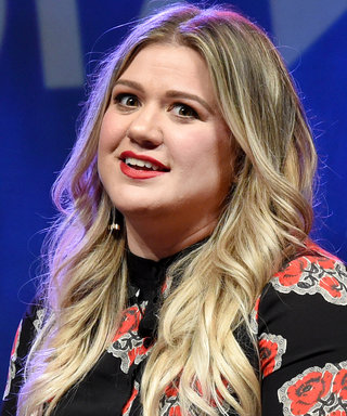 """Kelly Clarkson Expertly Replies to Person Who Calls Her """"Fat"""" on Twitter"""