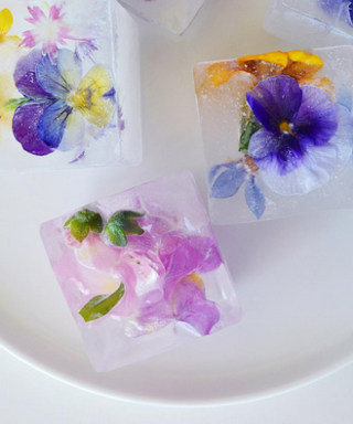 These Floral Ice-Cubes Will Make Your Summer Party Instagram Gold