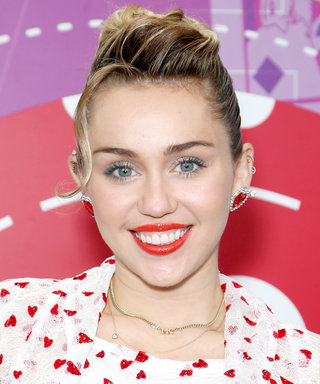 Miley Cyrus's Simple On-the-Go Outfit Is Probably in Your Closet Already