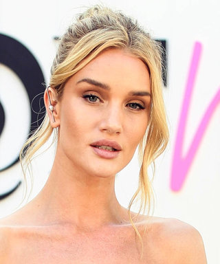 Rosie Huntington-Whiteley Shows Us How to NailSummer White Dressing