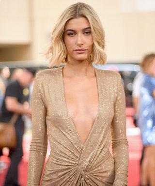 Hailey Bieber red carpet photo