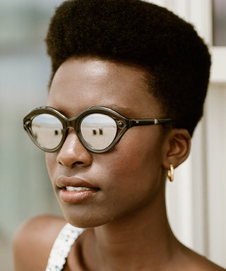 """These Sunglasses Have """"Spiritual Healing"""" Properties Thanks to a Tiny Detail on Their Frames"""