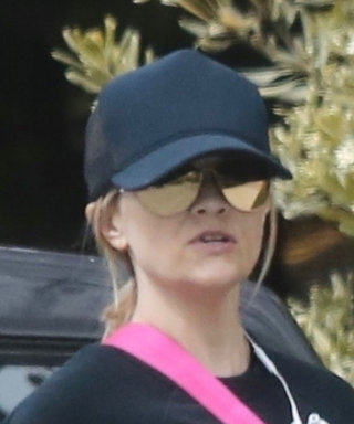 Reese Witherspoon Serves Dog-Walking Chic in a Bunch of Cozy Staples