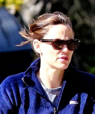 Jennifer Garner's Bicycling Outfit Is Also Our WFH Uniform