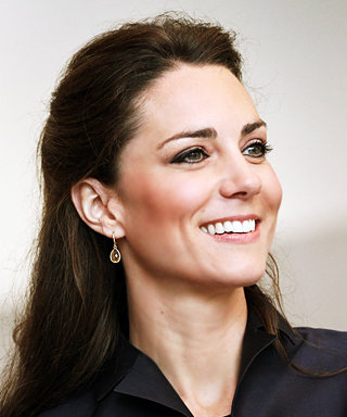 Kate Middleton Wears Amanda Wakeley Skirt Suit