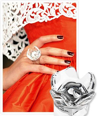 Oscar de la Renta's New Fragrance Ring