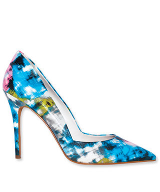 Poll: Do You Like to Wear Statement Pumps?