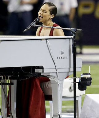 Super Bowl 2013: Watch Alicia Keys Sing the National Anthem