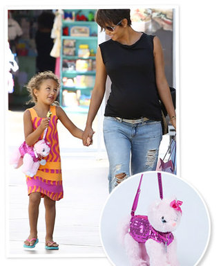 Halle Berry's Daughter Nahla Aubry Shares a Love of Kitty Purses With Oscar Nominee Quvenzhané Wallis