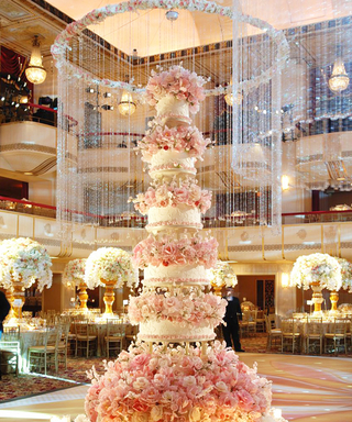 Wow-Worthy Wedding Cakes: A Slice of Sweet with Dessert Designer Sylvia Weinstock