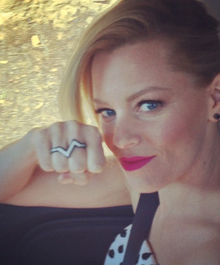 Here's How Elizabeth Banks Snaps a Perfect #Selfie