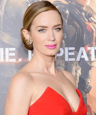 Emily Blunt Broke a Color-Clash Beauty Rule—but Looked Gorgeous Doing It!