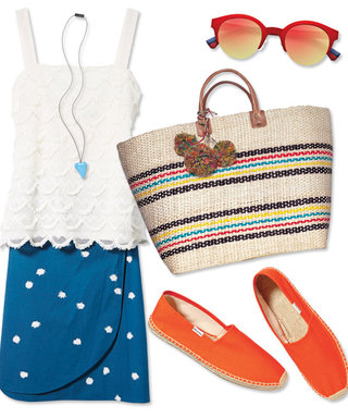 What to Wear to a Summer Clambake on the Beach