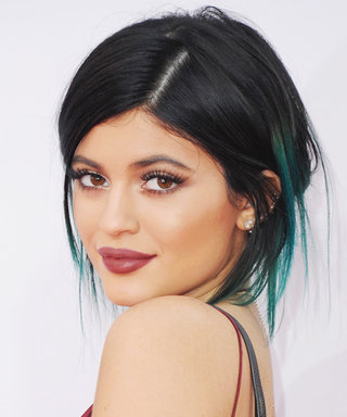 Recreate Kylie Jenner's Shimmery Eye Makeup and Statement Pout from the AMAs