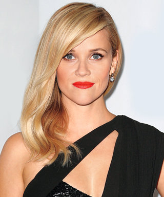 How to Get Shiny, Sideswept Waves Like Reese Witherspoon