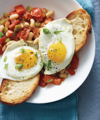 Brunch in Bed: 12 Recipes for Your Mother's Day Menu