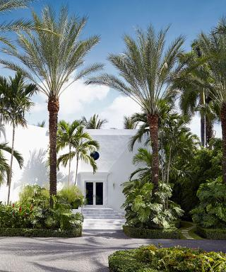 Inside a Famed Television House Updated for Fashionable Living